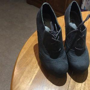 Shoes - Women's Oxford Heels